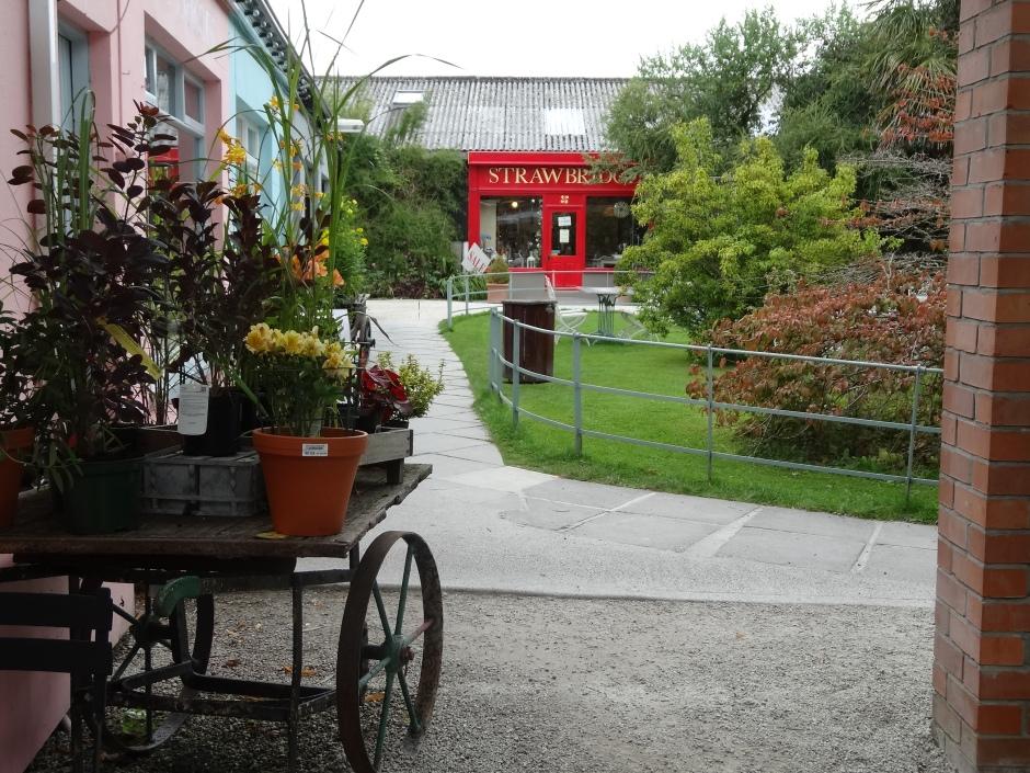 The shopping courtyard