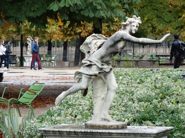 Classic and modern sculpture add interest to Jardin des Tuileries.