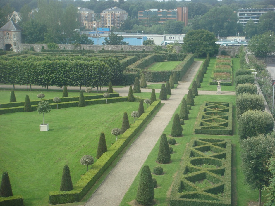 Royal Hospital Kilmainham Dublin - topiary and parterres
