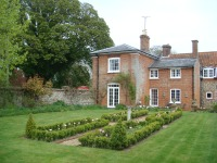 Parterre adds interest from upper windows
