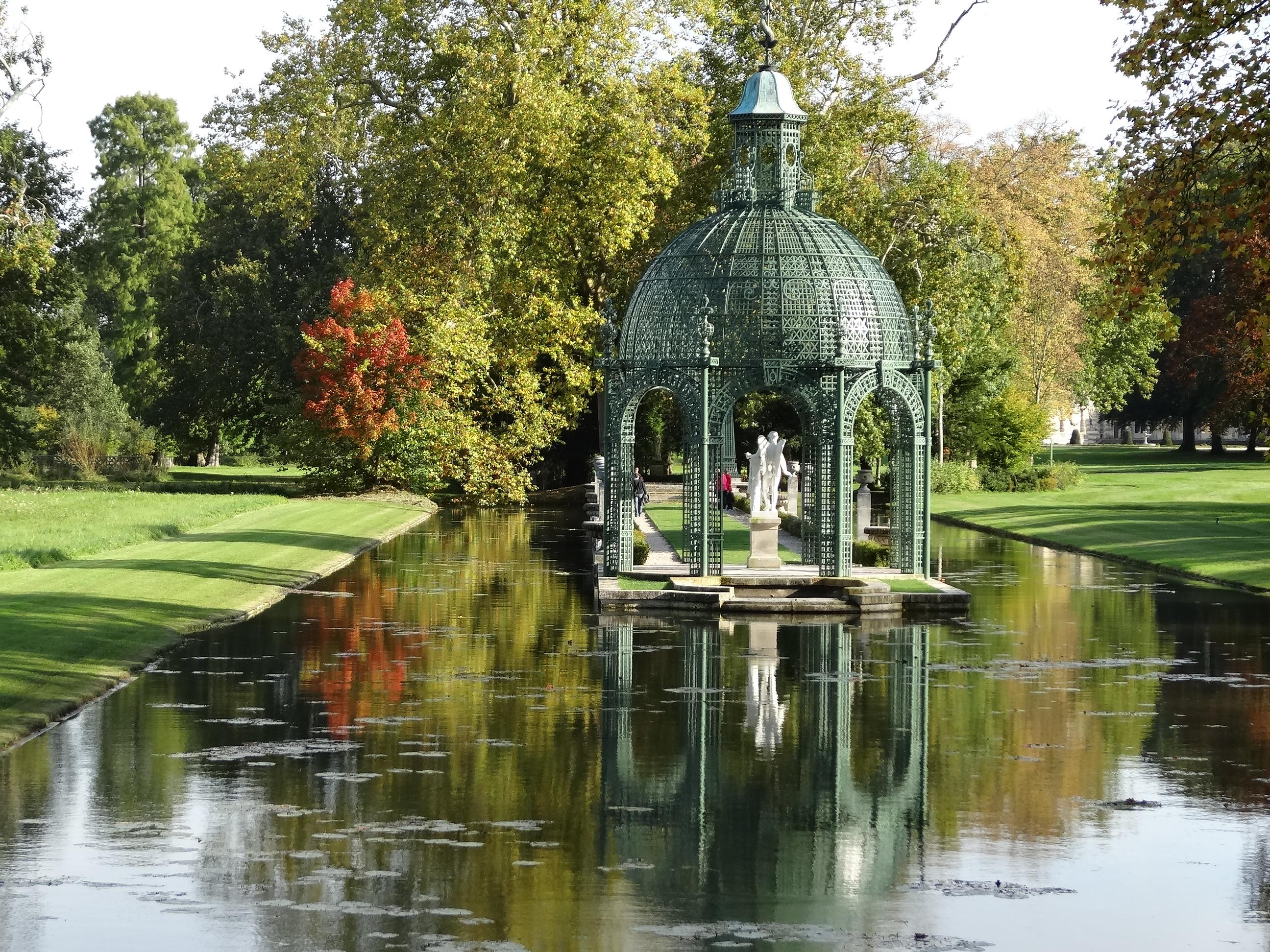 The gardens at chantilly jardin for Jardin anglais chantilly