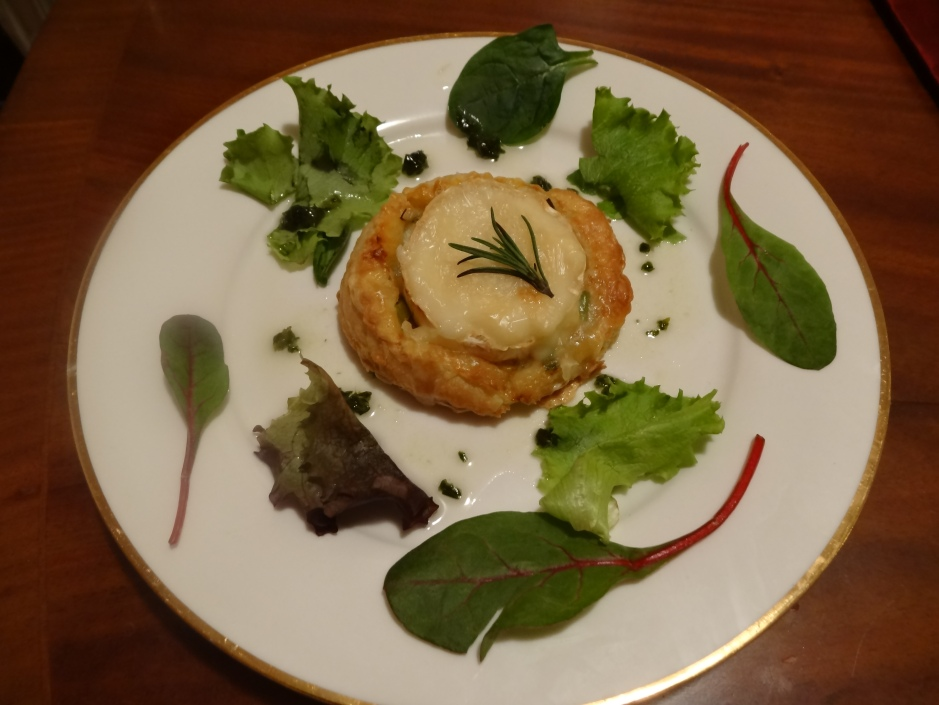 Leek and goat's cheese tartlets