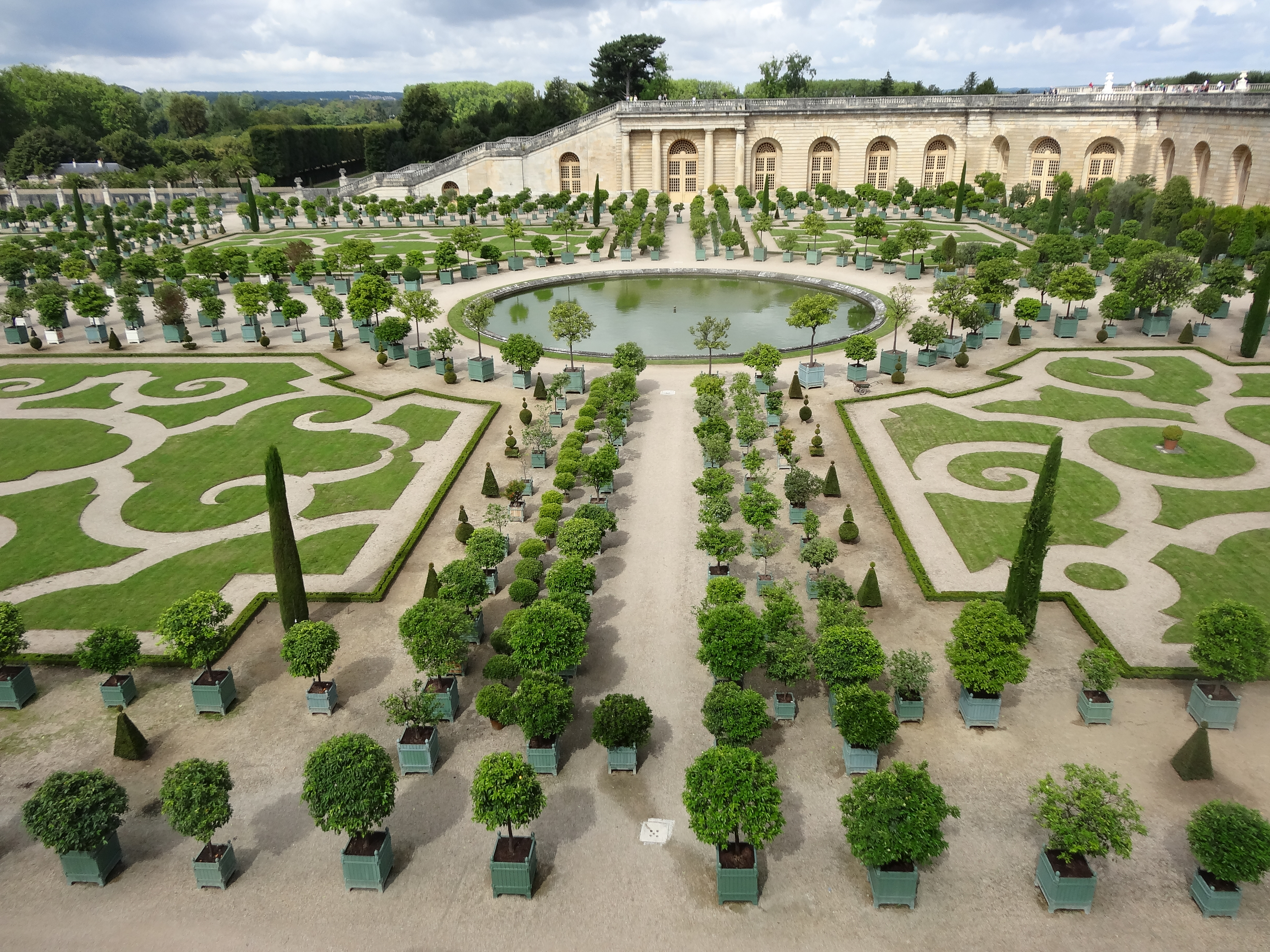 After 300 years a contemporary garden at versailles jardin for Jardin chateau de versailles