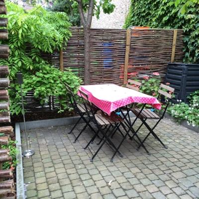 Tiny urban gardens