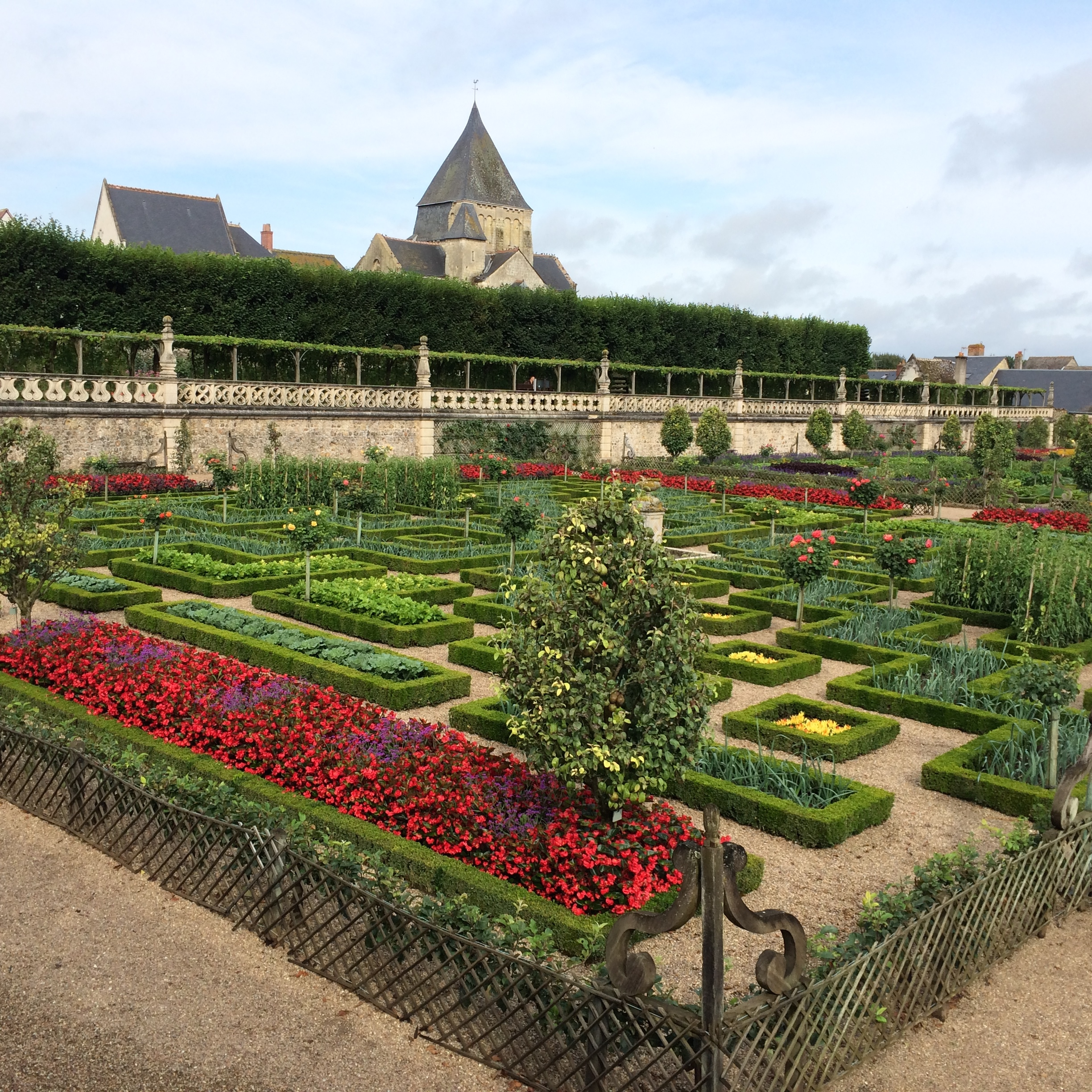 Ornamental Kitchen Garden The Iconic Gardens At Villandry Jardin
