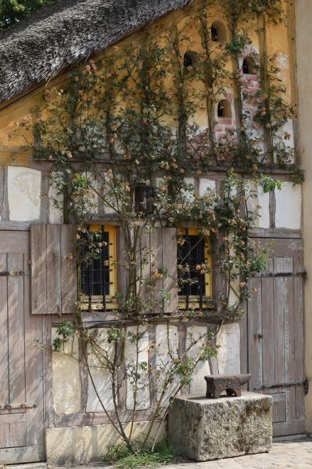 Dovecote, Le Hameau.